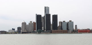 Flussansicht der Detroit-Skyline Stockfotos