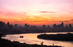 Flussansichtsonnenaufgang am reizenden Morgen Stockbilder