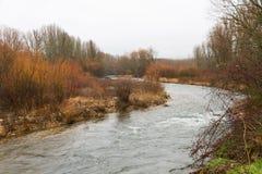 Flussbiegung im Winter Lizenzfreies Stockfoto