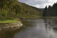 Flussbiegungsherbst Stockbild