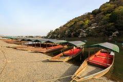 Flussboote für Miete. Lizenzfreie Stockfotos