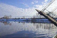 Flussfähre stockfotografie
