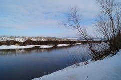Flussfrühling Lizenzfreies Stockfoto