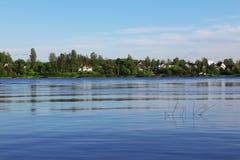 Flusslandschaft Stockbilder