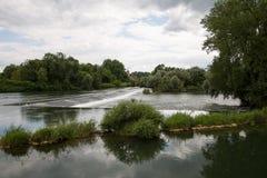 Flusslandschaft in Frankreich Stockfotografie