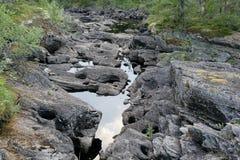 Flusslaufen trocken Stockfoto