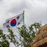 Flusso continuo della bandiera coreana nel villaggio piega storico di Yangdong fotografia stock libera da diritti
