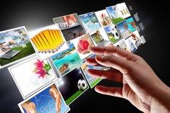 Flusso continuo delle multimedia dal Internet Fotografie Stock Libere da Diritti