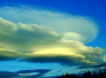 Flusso continuo delle nuvole Immagine Stock