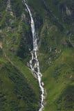 Flusso della montagna - fusione del ghiacciaio Immagine Stock