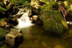 Flusso di autunno fotografie stock libere da diritti
