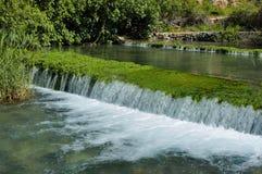 Flusso e cascata Fotografia Stock Libera da Diritti