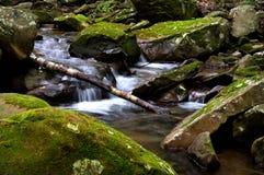 Flusso fumoso della montagna Fotografie Stock