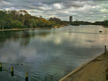 Flusspark stockfoto
