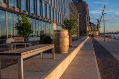 Flusspromenade Lizenzfreie Stockfotos