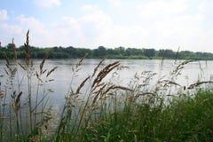 Flussquerneigung Lizenzfreie Stockfotos