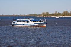 Flussschiff Lizenzfreies Stockbild