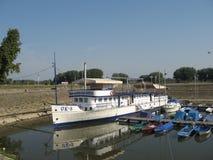 Flussschiff Stockfotografie