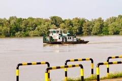 Flussschlepperboot stockfoto