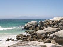 Flusssteine setzen, Cape Town, Südafrika auf den Strand stockfoto