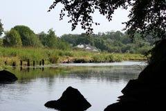 Flussufer-Eigentum Stockfotos