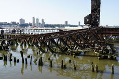 Flussufer-Park-Pier 1 59 Stockfoto