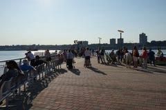 Flussufer-Park-Pier 1-teilige 2 12 Lizenzfreies Stockfoto