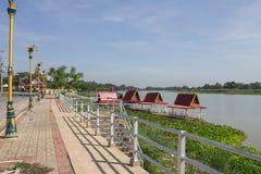 Flussufer-Ruheplatz Stockfotos