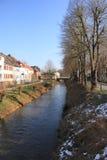 Flussuferapartmenthaus Lizenzfreie Stockfotos