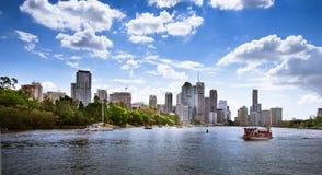 Flussufergebäude in Brisbane Stockbilder