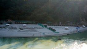 Flussuferlager für Abenteuersport Lizenzfreies Stockbild