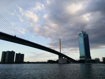 Flussuferlandschaft in Bangkok Stockfotografie