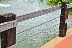 Flussuferzaun Stockbilder