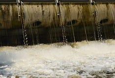 Flusswehr Lizenzfreie Stockfotografie