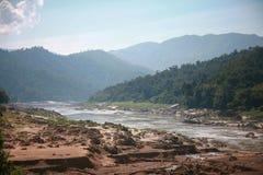 Flusszentralberge. Stockbilder