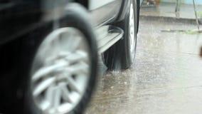 Flut auf Straße stock footage
