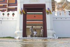 Flut bei Wat Phra Kaew lizenzfreies stockfoto