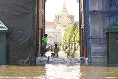 Flut bei Wat Phra Kaew stockbilder