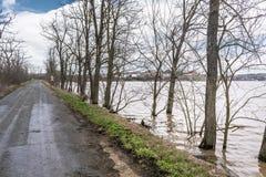 Flut - ein natürliches Phänomen Straße des alten Landes Stockfotografie