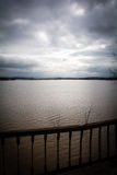 Flut - ein natürliches Phänomen Verschütteter See Lizenzfreie Stockbilder