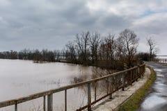 Flut - ein natürliches Phänomen Verschütteter See Lizenzfreie Stockfotografie