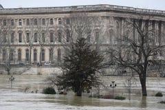 Fluten in der Stadt von Paris lizenzfreie stockfotos