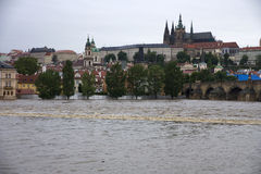 Fluten in Prag Lizenzfreie Stockfotos
