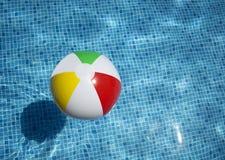 Flutuação colorida da bola Fotos de Stock Royalty Free