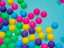 Flutuação da bola da cor Foto de Stock Royalty Free