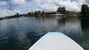 Flutuação no lago filme