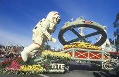 Flutuador dos astronautas em Rose Bowl Parade, Pasadena, Califórnia Fotos de Stock
