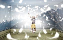 Flutuante e feliz Fotos de Stock Royalty Free