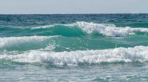 Flutwellen in Meer Lizenzfreies Stockbild
