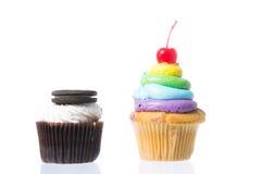 Fluweel cupcakes isolate Royalty-vrije Stock Afbeelding